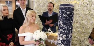 Single mum marries rug
