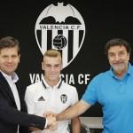 El Valencia amplía el contrato de Lato hasta 2021, con cláusula de 80 millones