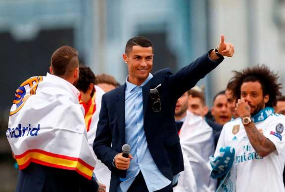 """ES NOTICIA…  Cristiano Ronaldo durante las celebraciones: """"Gracias chicos, hasta el próximo año"""""""