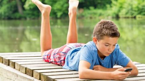 Uso de móviles en niños/archivo