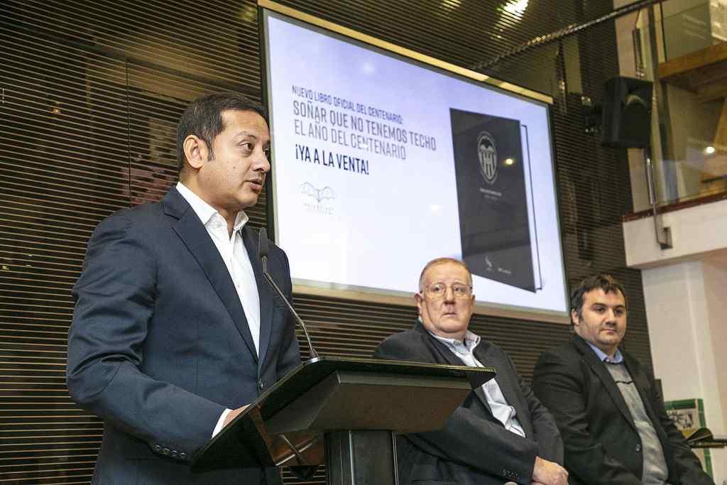 Presentación del libro 'Soñar que no tenemos techo. El año del Centenario'/Img. VCF
