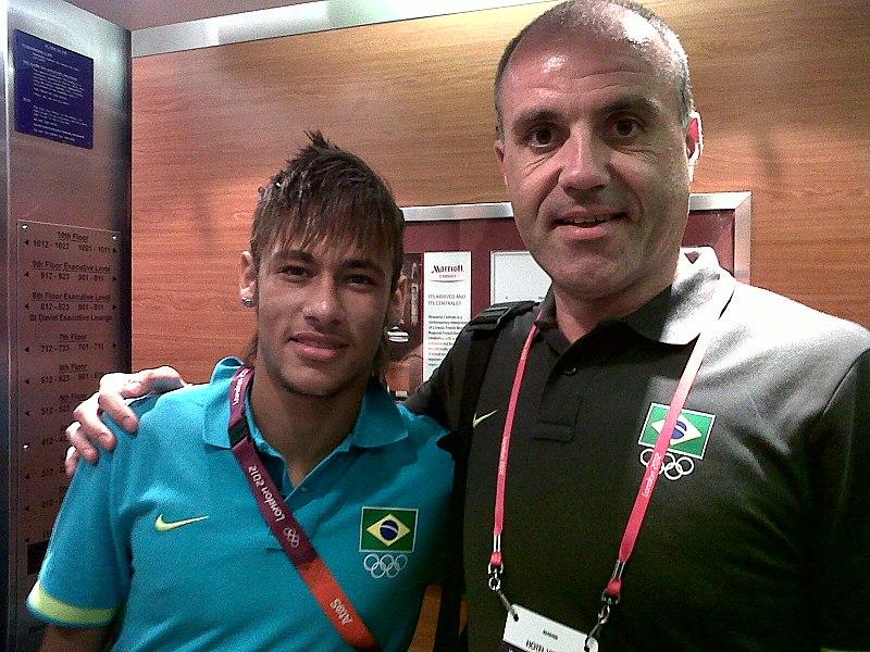 Antonio Lima con Neymar/Wp.