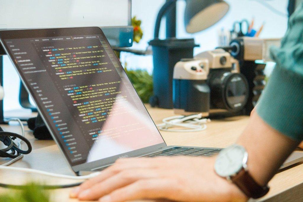 Ironhack, la escuela líder en formación de expertos en el mundo digital de forma intensiva, ha realizado un informe para conocer las tasas de colocación de sus alumnos/informaValencia.com