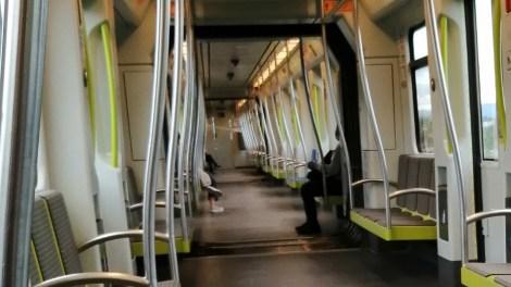 Distancia entre pasajeros en el metro, Línea 1, 11 de la mañana, día 30 de abril./informaValencia.com