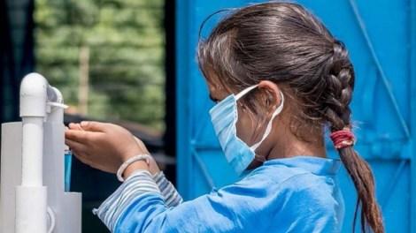 La OMS recomienda el uso de mascarilla a partir de los 12 años - OMS