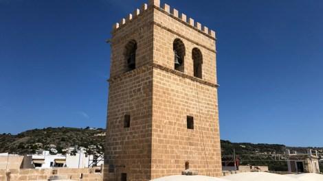 La iglesia-fortaleza de San Bartolomé de Xàbia recupera las almenas y las tribunas- AVAN