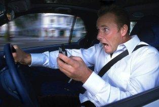 telefon vezetés közben