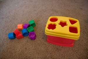 children's shape/hole toy