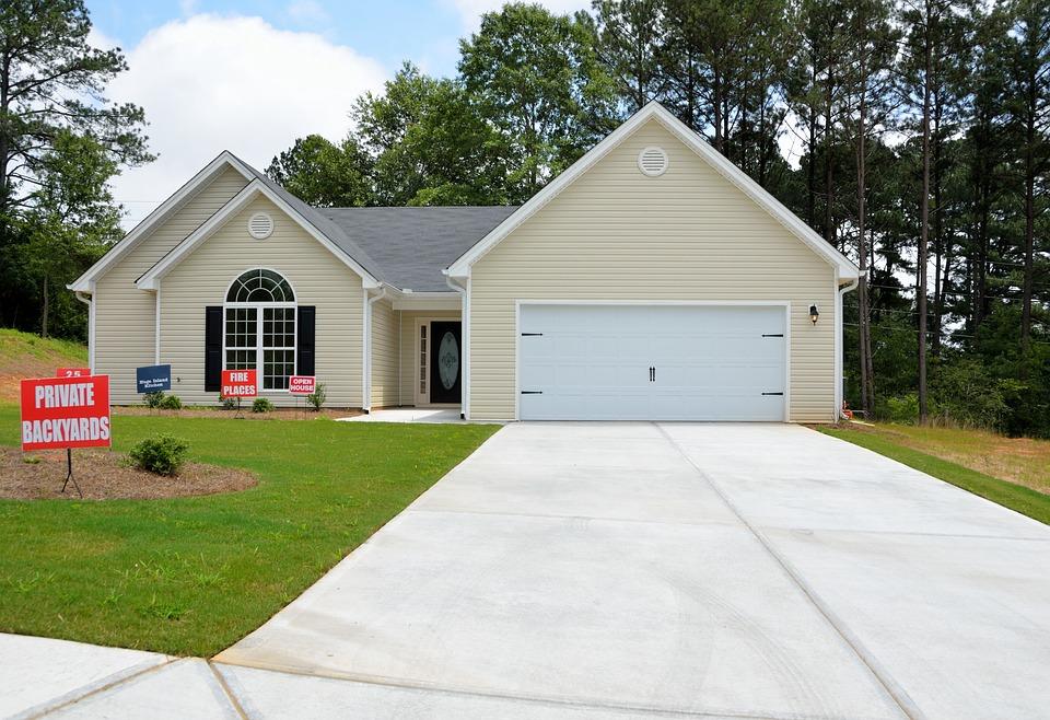 HOUSE FOR SALE_1544709682562.jpg.jpg