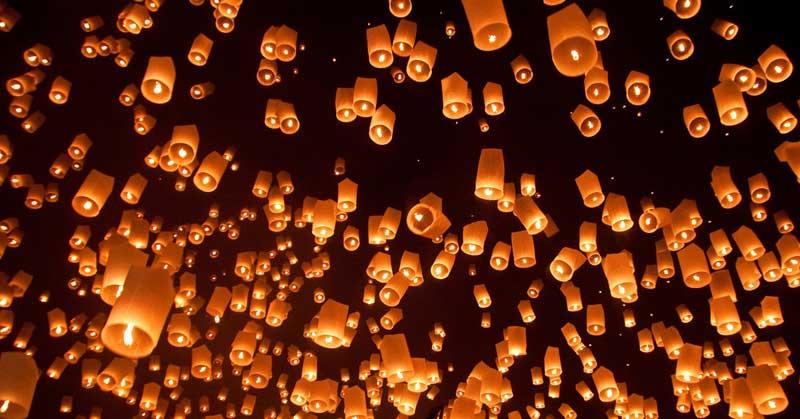 Les lanternes de la fête de Loy Krathong