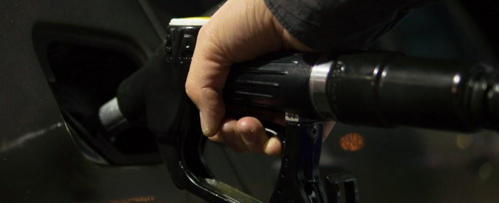 Senarai Kad Kredit Terbaik untuk Minyak Petrol Malaysia