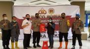 Bantuan Dari Alumni Akpol 1991 Diserahkan Kapolrestabes Makassar ke Bupati Lutra