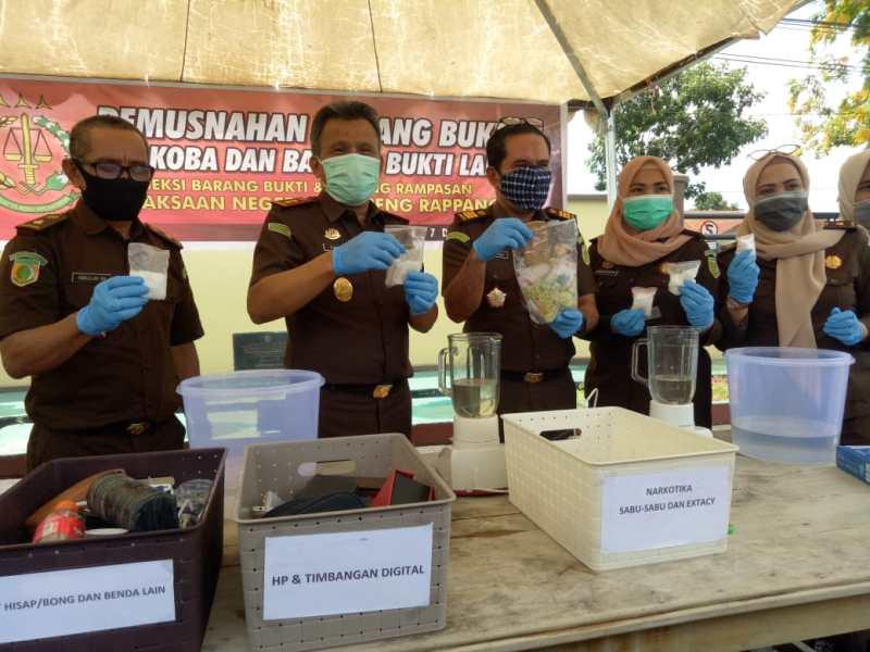 Barbuk Narkotika Dimusnahkan, Kejari Sidrap Selamatkan 16 Ribu Jiwa