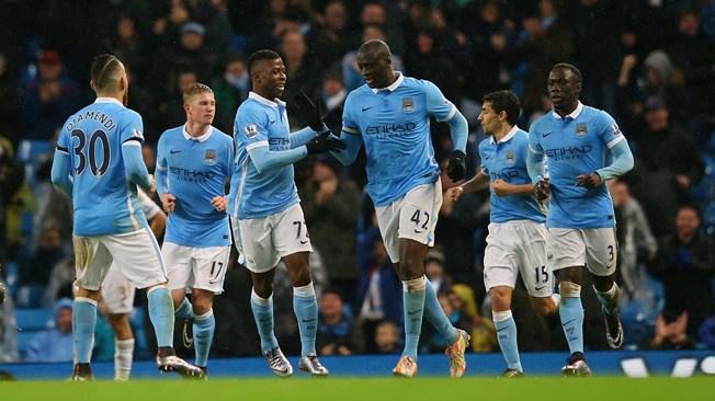 City s'arrache en tête, United s'enfonce