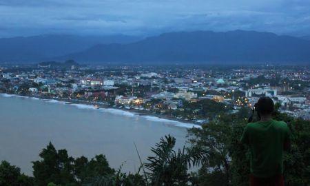 Pemandangan Kota Padang dari Gunung Padang