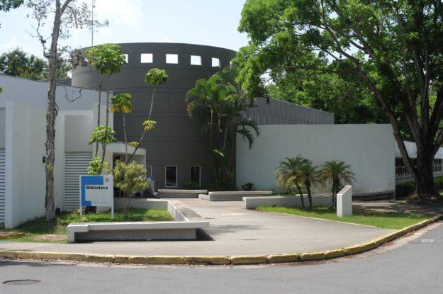 Biblioteca UPRB