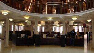 Sección circulación Biblioteca Nacional de Helsinski
