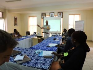 Planeación de Servicios en Biblioteca - Actividad en taller de Beyond Access Nigeria 2016 con el autor de este post, Santiago Villegas-Ceballos @medejean