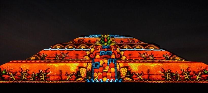 Disfruta del espectáculo experiencia nocturna en Teotihuacán