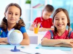 Прическа девочкам в садик и в школу