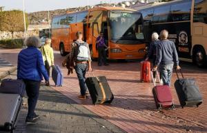 В Житомире мужчина собрал в автобусе по 140 евро с заробитчан за поездку во Францию и сбежал