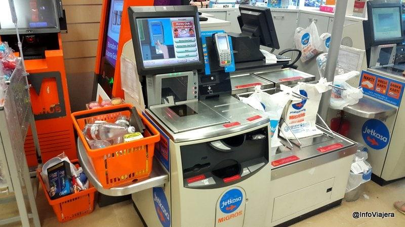 Caja_Automatica_sin_Personal_Supermercado_Fethiye_Turquia