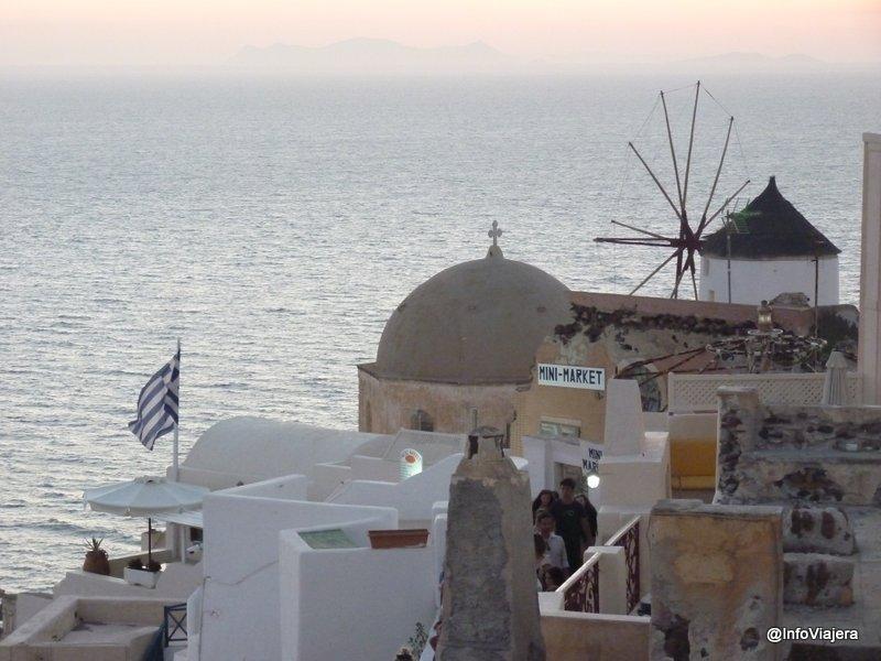 grecia_santorini_molino_bandera_paisaje