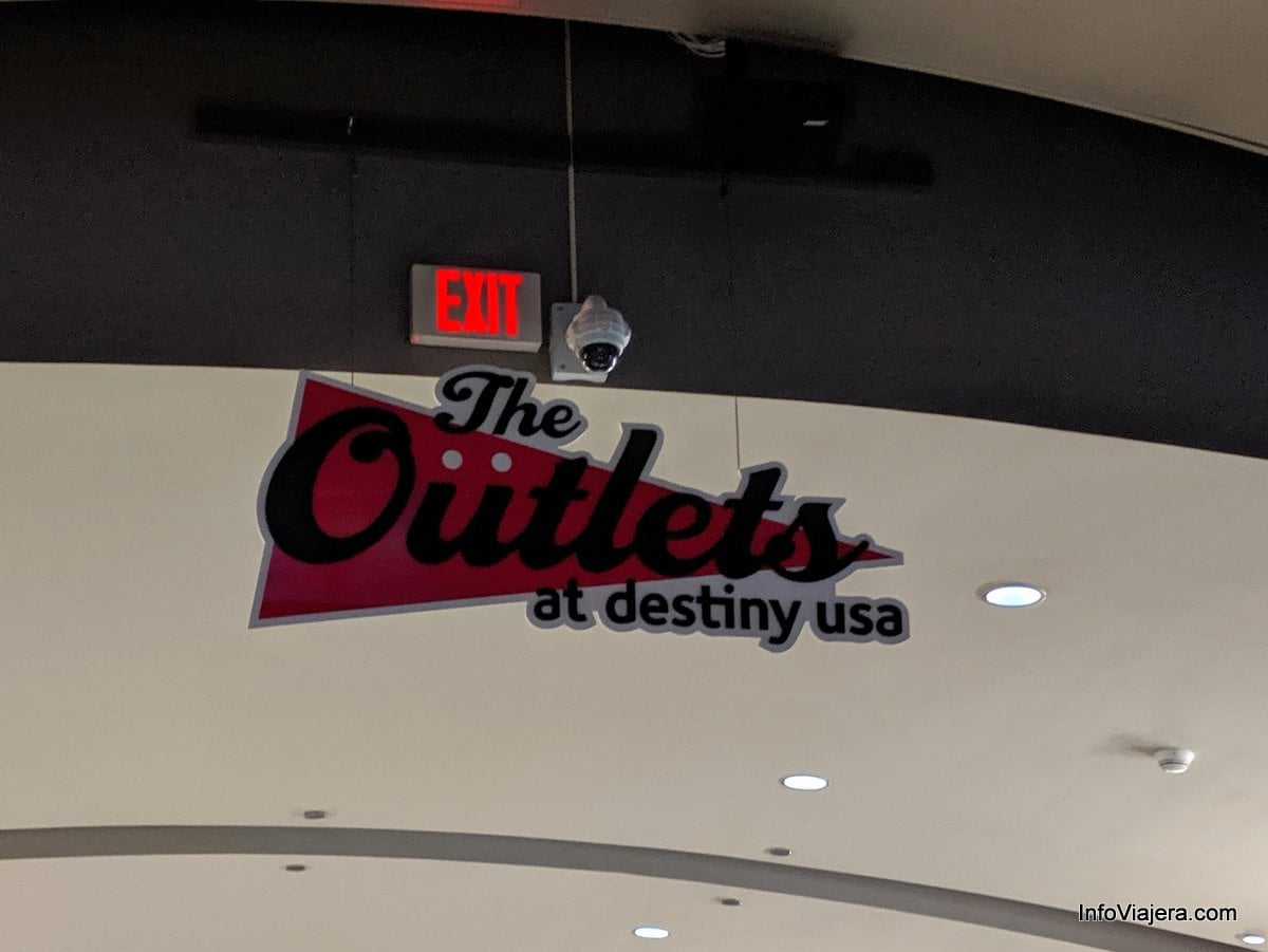 El Embassy Suites De Hilton Destiny Usa En Syracuse New
