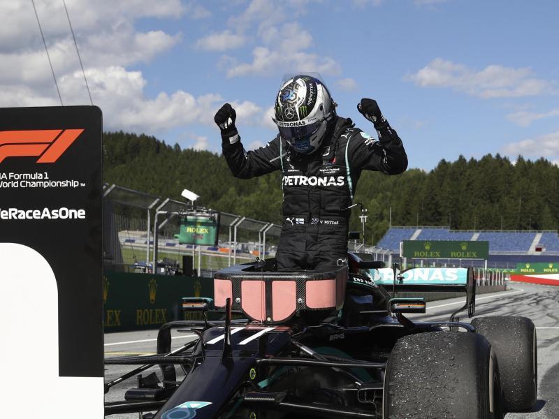 Der Finne Valtteri Bottas vom Mercedes-Team gewann in Spielberg. Foto: Mark Thompson/pool Getty/AP/dpa