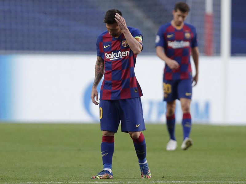 Der FC Barcelona um Lionel Messi fiel regelrecht auseinander. Foto: Manu Fernandez/AP Pool/dpa