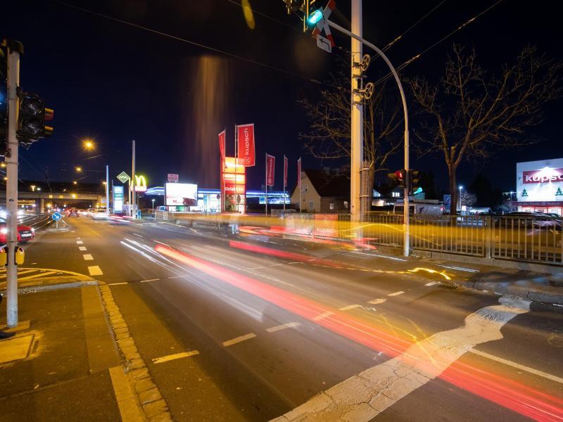 Auf Deutschlands Straßen steigt die Zahl der Raser und Rennfahrer. Foto: Daniel Karmann/dpa