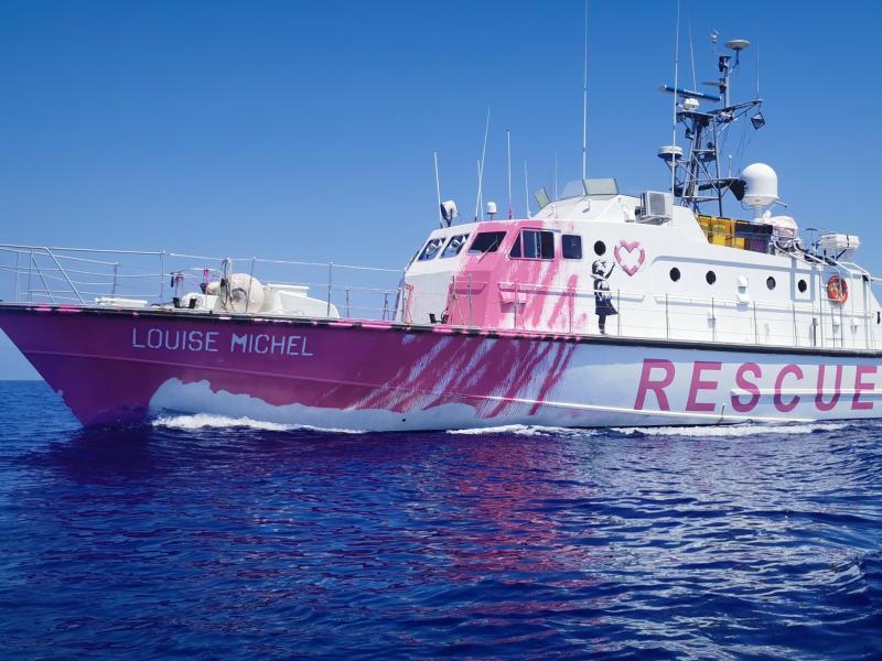 Die Besatzung des Rettungsschiffs der Louise Michel braucht dringend Unterstützung. Foto: -/Louise Michel/dpa