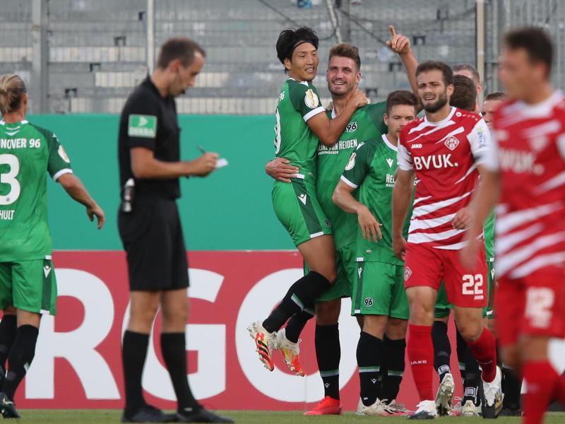 Hannover 96 konnte sich bei Zweitliga-Aufsteiger Würzburg durchsetzen. Foto: Daniel Karmann/dpa