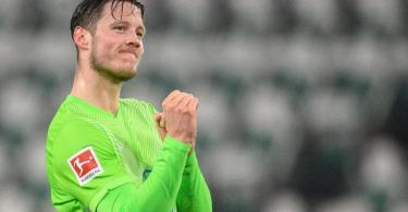 Wout Weghorst schoss Wolfsburg mit zwei Toren zum Sieg gegen Bremen. Foto: Swen Pförtner/dpa