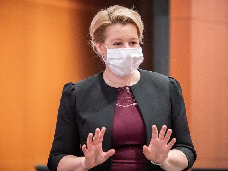 Franziska Giffey ist neue Vorsitzende der Berliner SPDund will die Partei in den Wahlkampf im kommenden Jahr führen. Foto: Michael Kappeler/dpa-pool/dpa