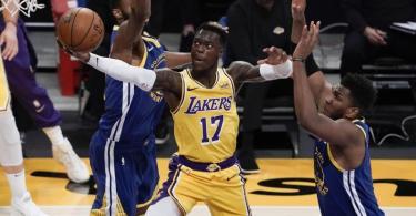 Konnte trotz starker Partie die Lakers-Niederlage gegen die Warriors nicht verhindern: Dennis Schröder (M). Foto: Jae C. Hong/AP/dpa