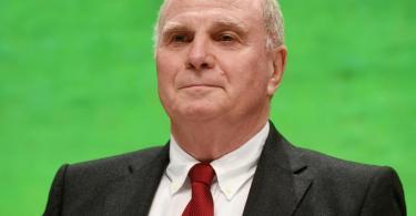 Der frühere Bayern-Präsident Uli Hoeneß spricht sich gegen eine EM in zwölf Ländern aus. Foto: Tobias Hase/dpa