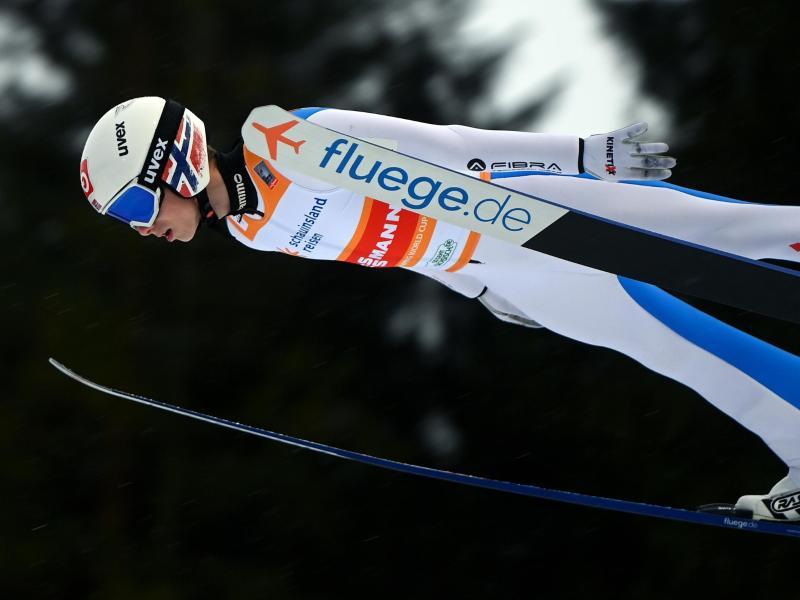 Quasi aus dem Nichts eroberte der Norweger Halvor Egner Granerud in dieser Saison die Skisprung-Welt. Foto: Hendrik Schmidt/dpa-Zentralbild/dpa