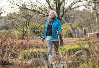 Regelmäßige Bewegung tut nicht nur den Muskeln und Gelenken gut. Auch das Gehirn profitiert von den Fitnesseinheiten. Foto: Christin Klose/dpa-tmn