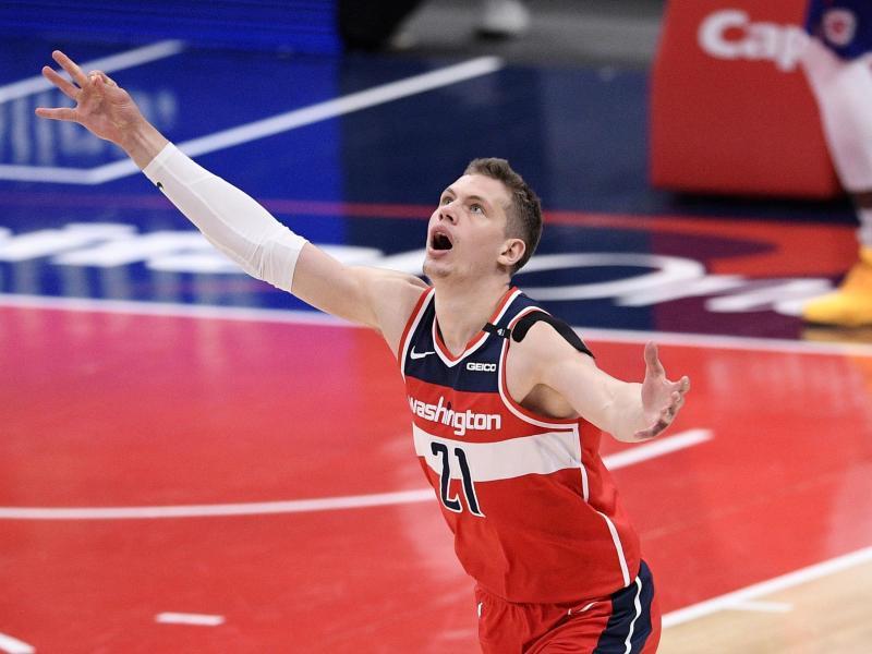 Der deutsche NBA-Profi Moritz Wagner von den Washington Wizards jubelt nach einem erfolgreichen Dreipunktewurf. Foto: Nick Wass/AP/dpa