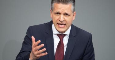 Thorsten Frei (CDU) fordert in der Maskenaffäre nun auch einen «Ehrenkodex» der SPD. Foto: Soeren Stache/dpa-Zentralbild/dpa