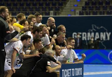 Die deutsche Handball-Nationalmannschaft konnte beim Qualifikationsturnier in Berlin das Ticket für Tokio lösen. Foto: Soeren Stache/dpa-Zentralbild/dpa