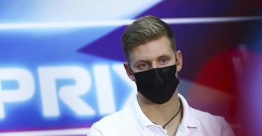 Mick Schumacher steht vor seiner Formel-1-Premiere. Foto: Dan Istitene/Pool Getty Images/AP/dpa