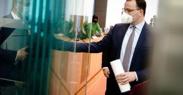 Gesundheitsminister Jens Spahn appelliert an die Bürgerinnen und Bürger, «im Zweifel auch mehr als die staatlichen Regeln» umzusetzen. Foto: Kay Nietfeld/dpa