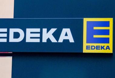Die Handelskette Edeka ruft im Norden Deutschlands vorsichtshalber Rostbratwürste zurück. Foto: Jens Kalaene/dpa-Zentralbild/dpa