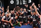 Die Spieler der Berlin Volleys feiern die Deutsche Meisterschaft. Foto: Felix Kästle/dpa