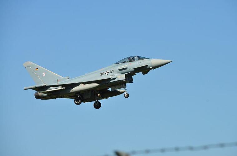 Lauter Knall ber Franken Wieso kreisten die Eurofighter