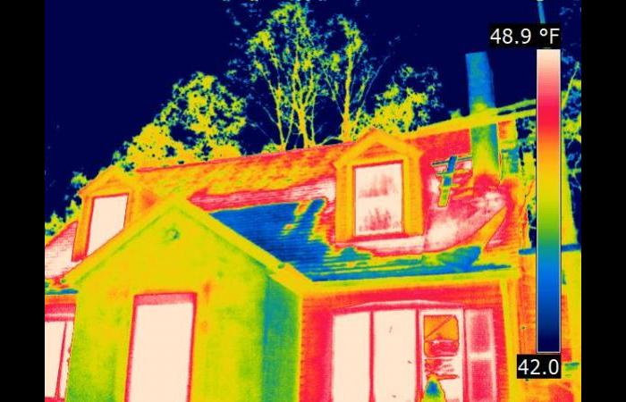 Missing attic insulation 0 - Building Infrared Inspection