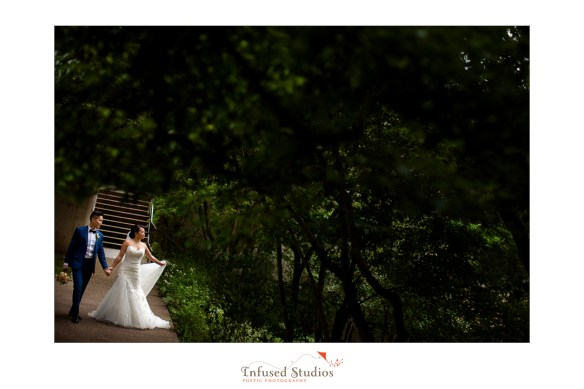 Outdoor Edmonton Wedding Photographers :: Helen + Philip's bridal portraits