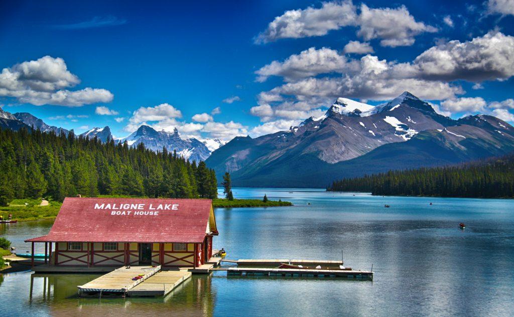 Amazing  The magnificent Maligne Lake Alberta Canada